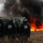 Calais, terra queimada